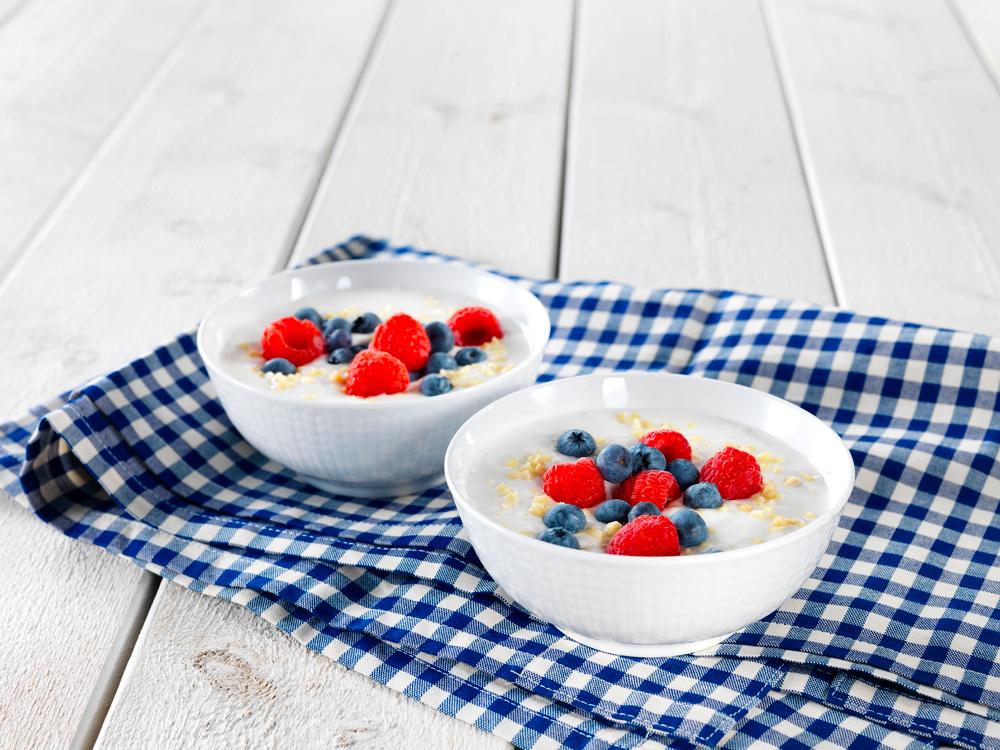 Aamiaisluonnonjogurtti